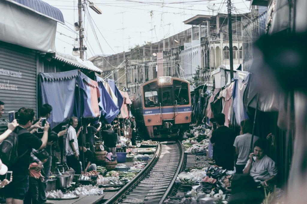 Tory kolejowe Mae klong w Bangkoku, Tajlandia