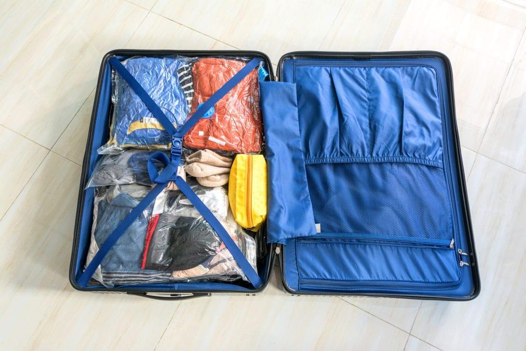f98b4f0df254f Jak się spakować w bagaż podręczny? Typy i pomysły