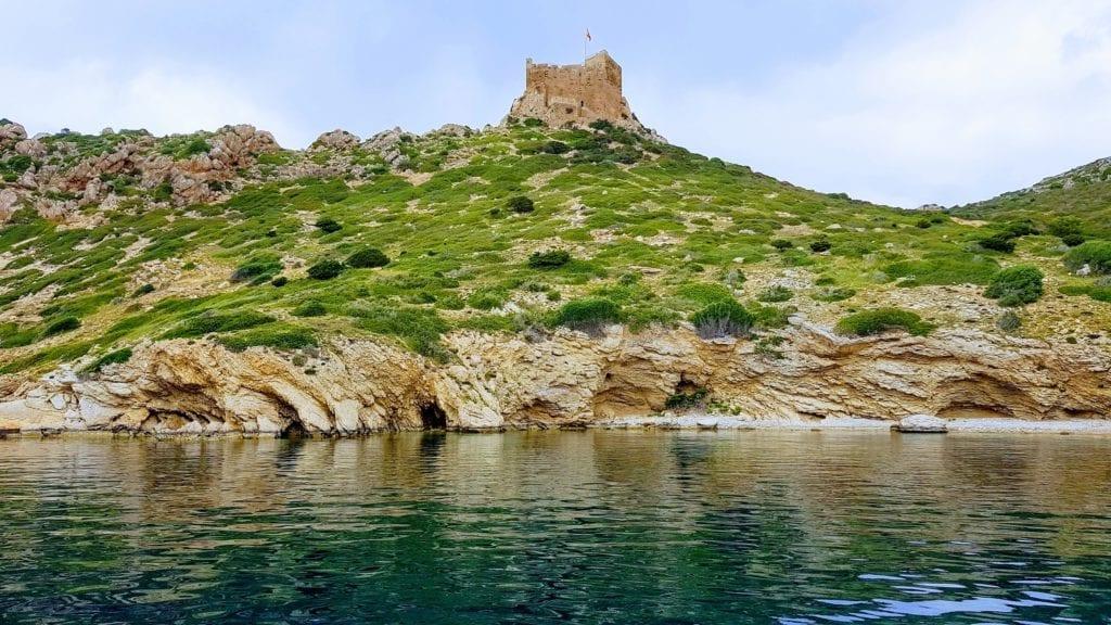 Pozostałości zamku na wyspie Cabrera
