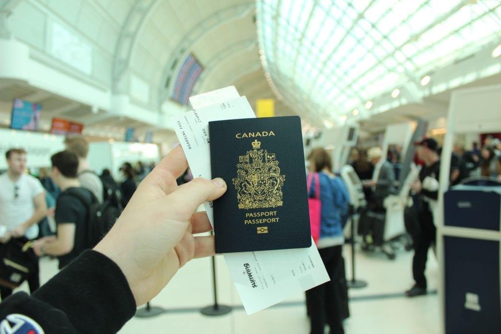 Dane na bilecie muszą być taki same, jak na dokumencie podróży,