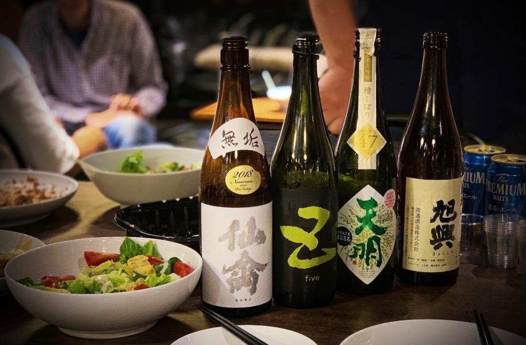 Do pisiłku warto zamówić polecane napoje, japonia