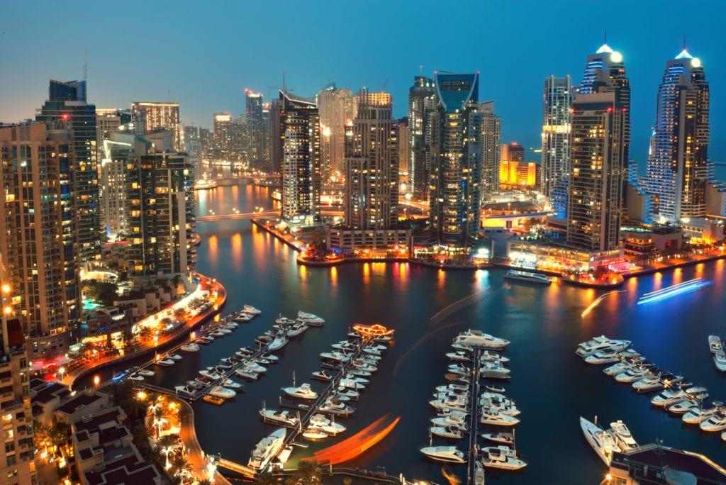 Marina w Dubaju nocą, Dubaj