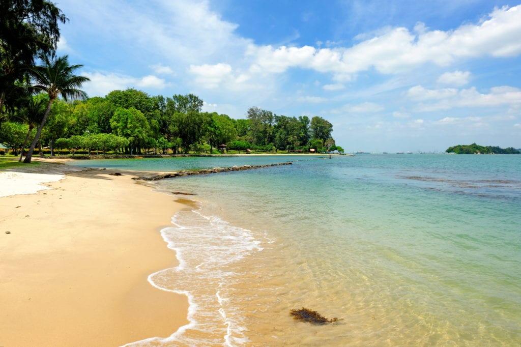Plaża na wyspie św. Jana niedaleko Singapuru