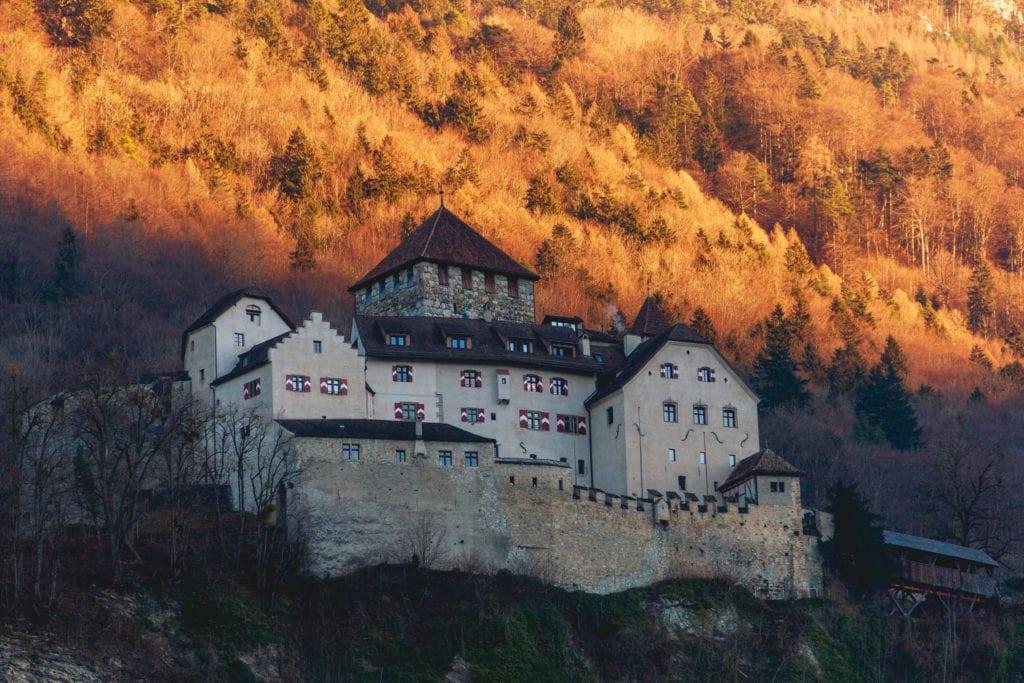 Zamek w Liechtensteinie,