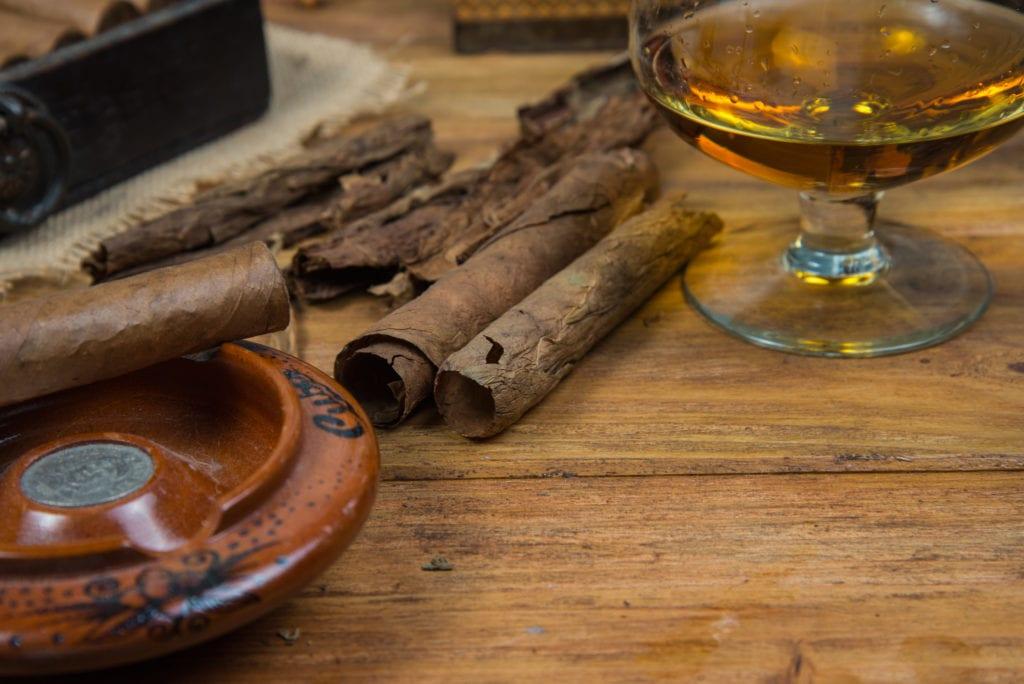 Kuba słynie z cygar i rumu