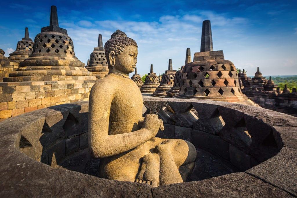 Posąg Buddy w świątyni Borobudur, Jawa Indonezja