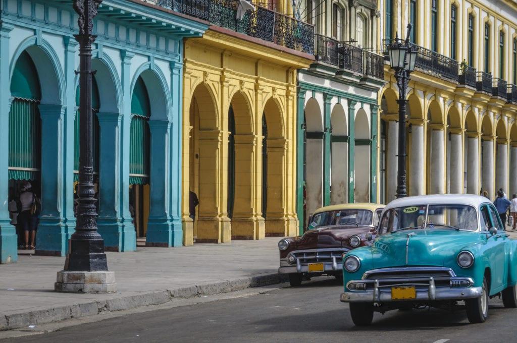 Stare amerykańskie samochody na Kubie, Hawana