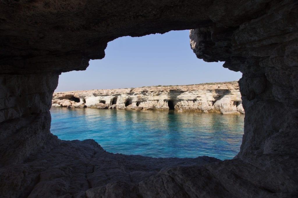 Jaskinia Cyklopa w Parku Narodowym Cape Greko, Cypr