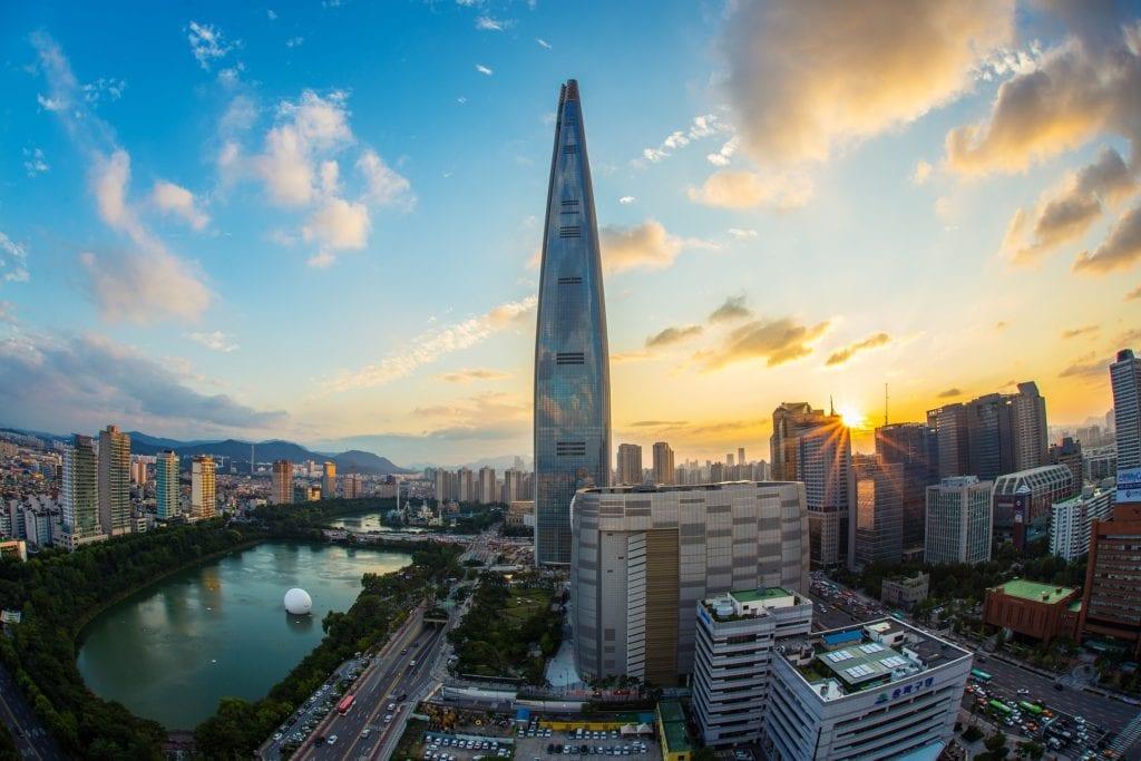 Lotte World Tower w Seulu, Korea Południowa