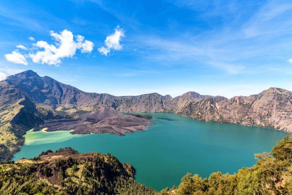Jezioro Segara Anak na wyspie Lombok, Lombok Indonezja