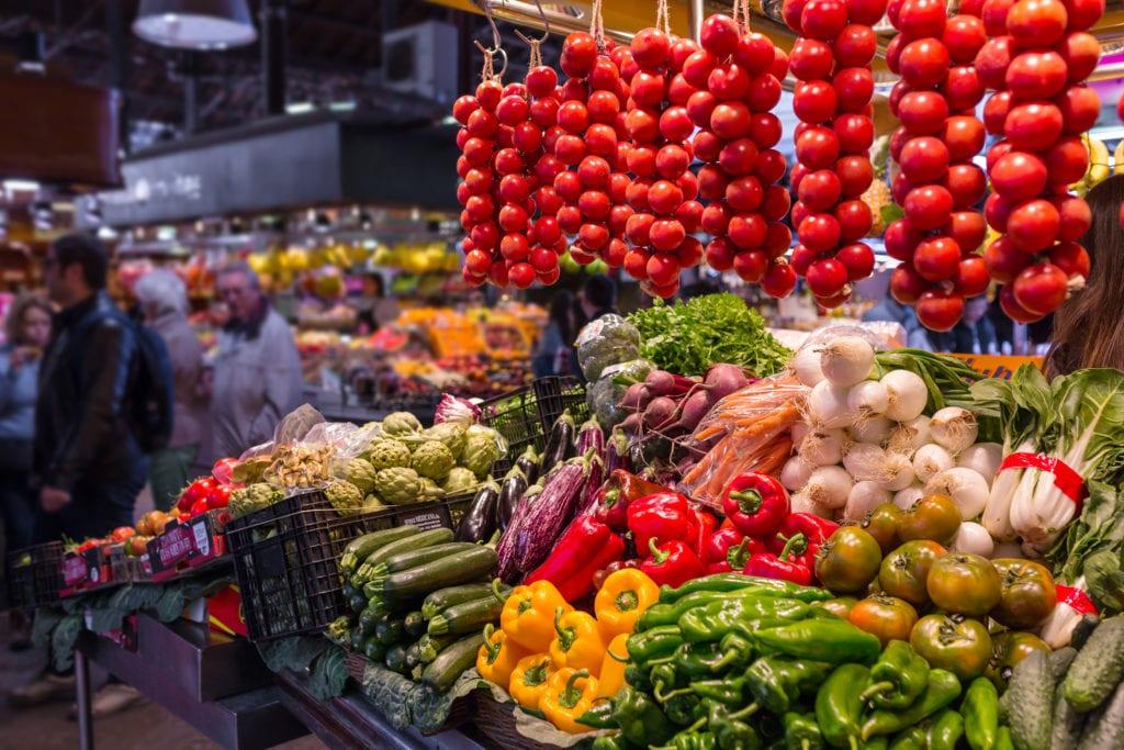 Bazar La Boqueria w Barcelonie, Hiszpania
