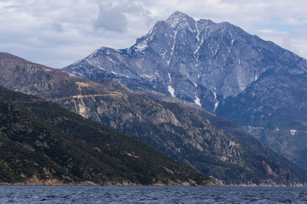 Góra Athos ma wysokość 2033 m n.p.m., Chalkidiki