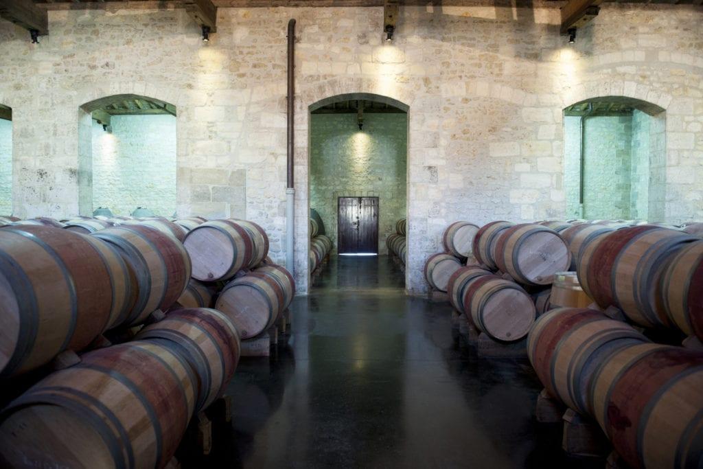 Piwnice z winami x, Francja