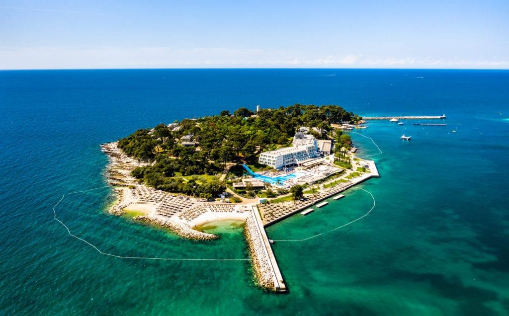 Wyspa Sveti Nikola, niedaleko Porce, Istria, Chorwacja