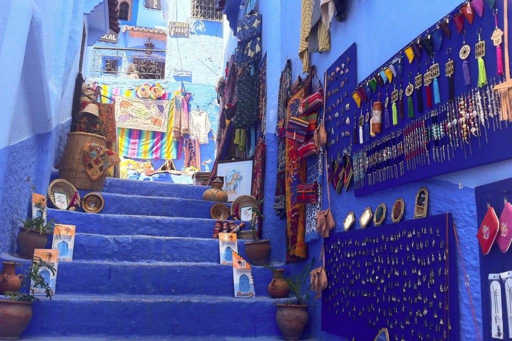 Błękitnw fasady domów w Szafszawan, Maroko