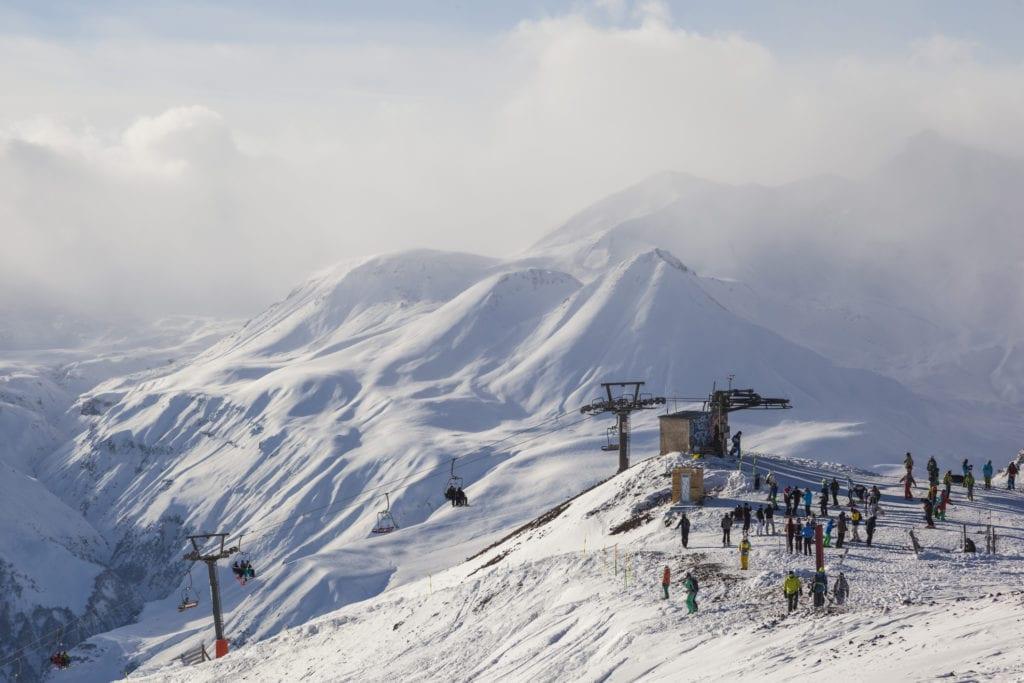 Gruziński ośrodek narciarski Gudauri, marty w gruzji