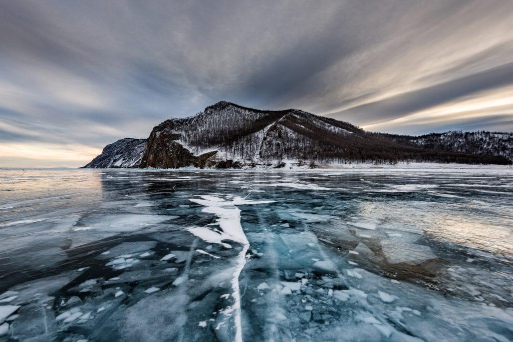 Jezioro Bajkał zimą, wyspa Olchon Rosja