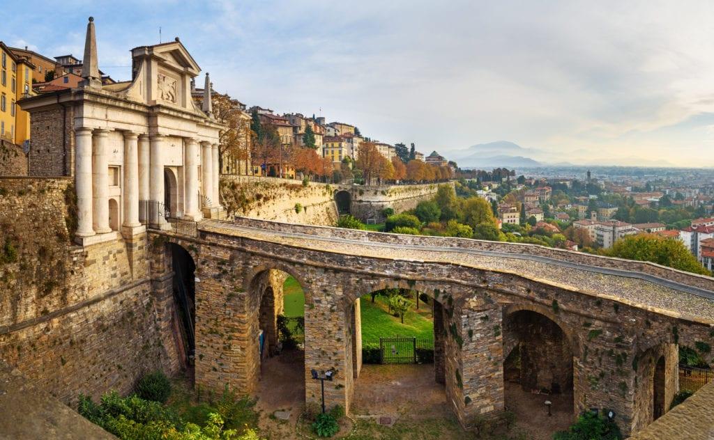Brama Porta San Giacomo i mury miejskie, Bergamo