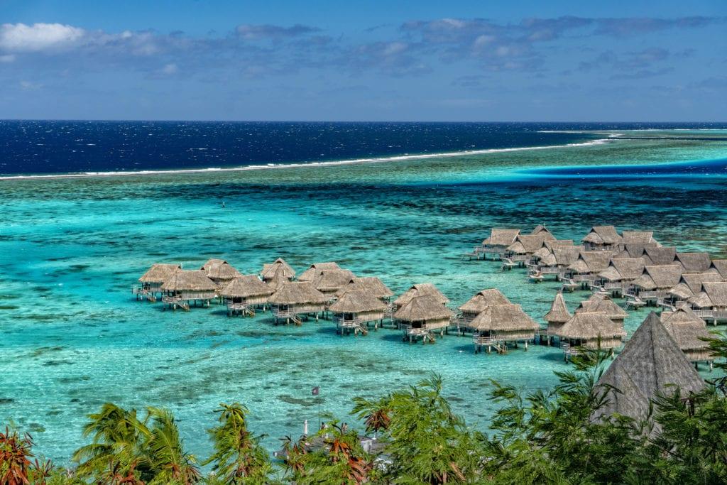 Chatki na wodzie na Tahiti, Polinezja Francuska