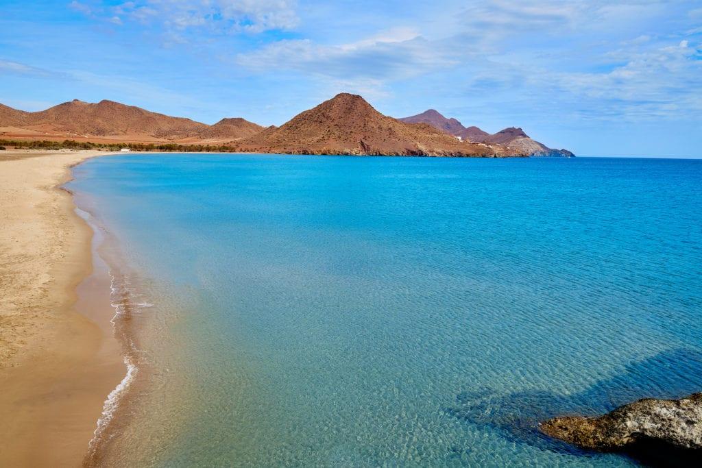 Plaża Playa de los Genoveses w okolicach Almerii, Andaluzja