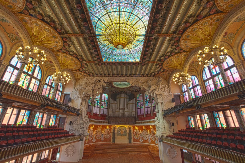 Wnętrze Pałacu Muzyki Katalońskiej, Barcelona Hiszpania UNESCO