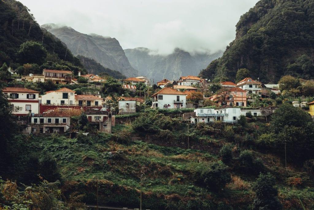 Górski krajobraz Madery,