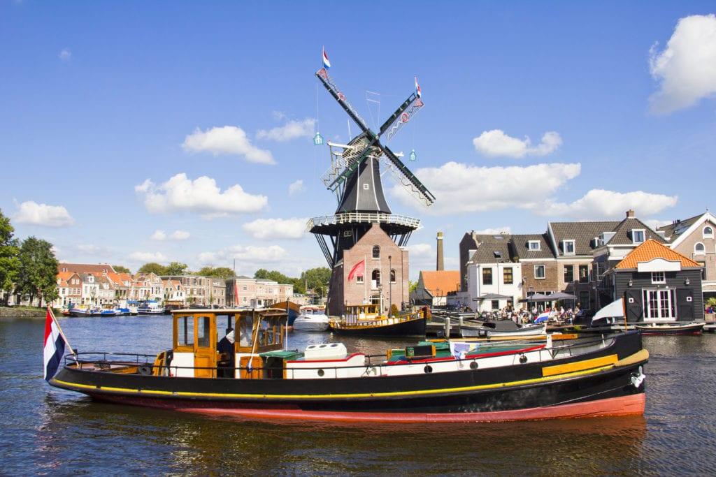 Haarlem leży nad rzeką Spaarne, Holandia