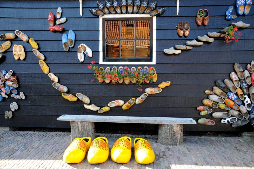 Klomp to tradycyjny holenderski chodak,