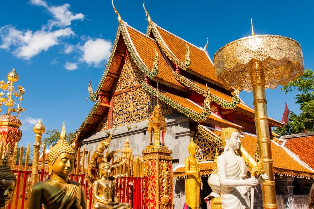 Świątynia Wat Phra That Doi Suthep w okolicy Chiang Mai, Tajlandia