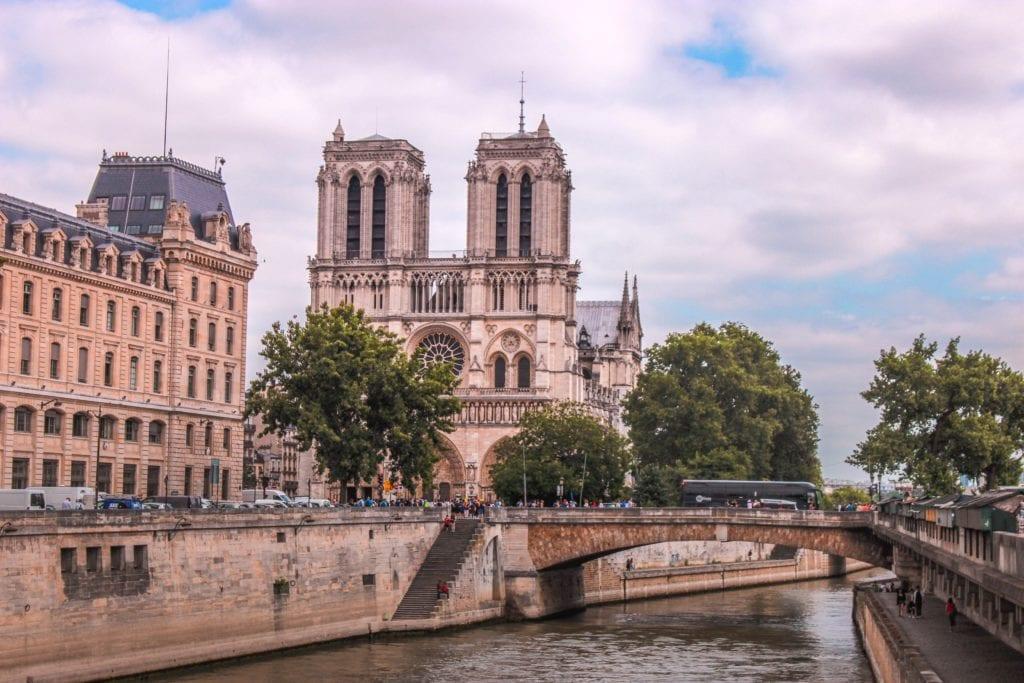 Katedra Notre Dame, Paryż przed pożarem