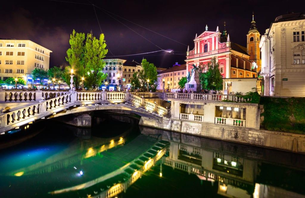 Lublana nocą, stolica Słowenii
