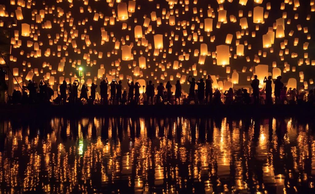 Obchody Loy Krathong w Chiang Mai, Tajlandia