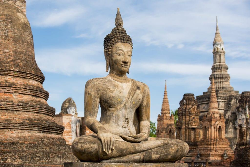 Pomnik Buddy w parku Sukhothai, Tajlandia