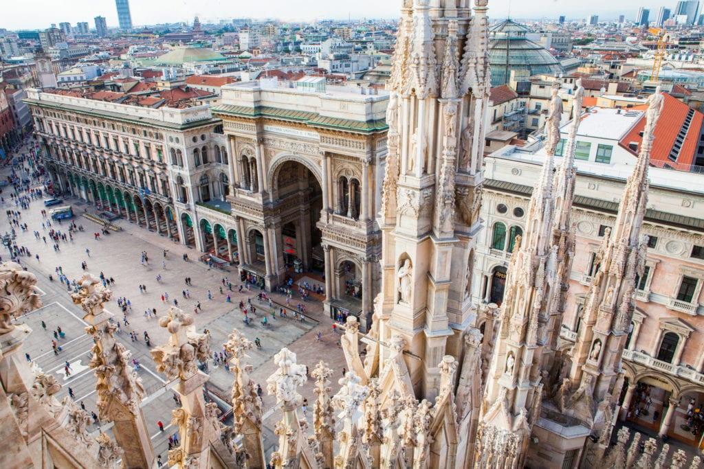 Widok z dachu świątyni Duomo, Mediolan