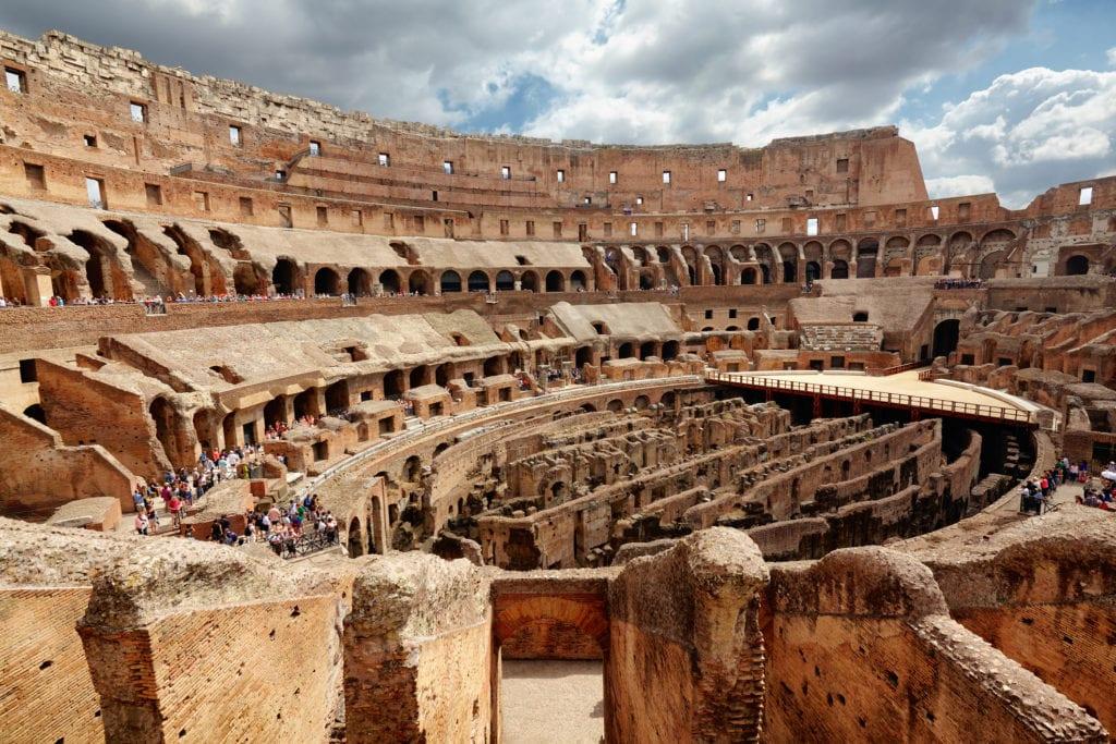 Wnętrze Koloseum, Rzym