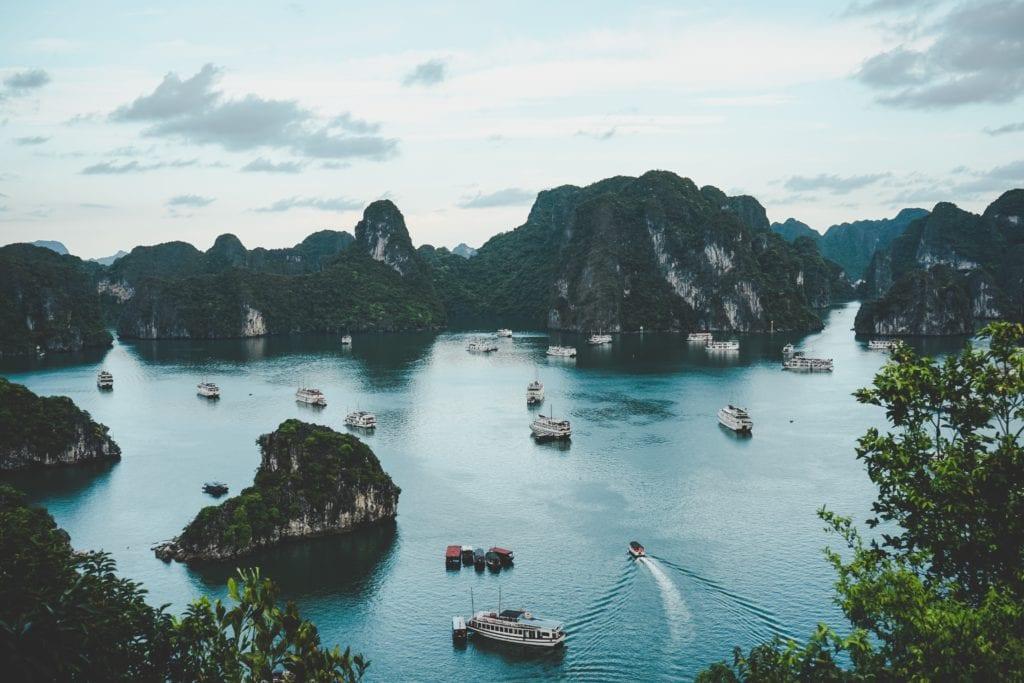 Zatoka Ha LOng Bay, Wietnam