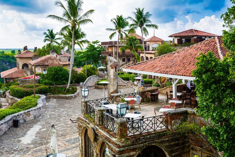 Śródziemnomorski Altos de Chavón, karaiby