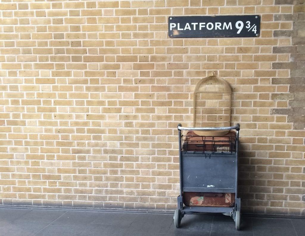 Peron 9¾, stacja kolejowa king's cross londyn harry potter