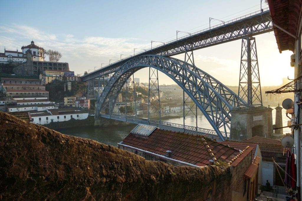 Most Ludwika, po lewej stronie kllasztor na Serra do Pilar, Porto