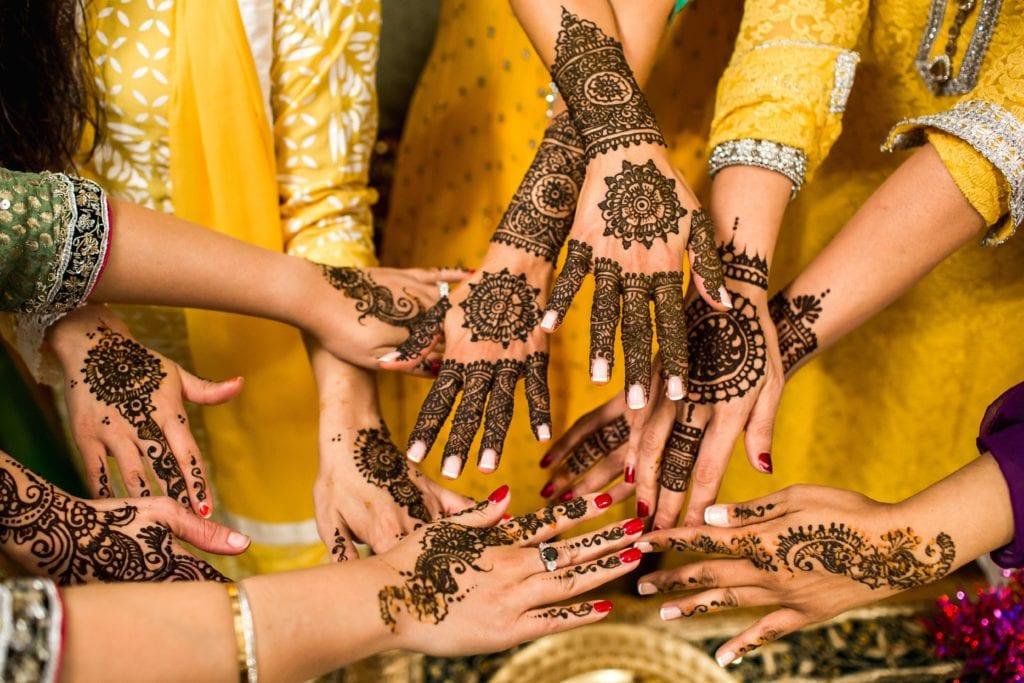 Będąc w Indiach zrób sobie obowiązkowo tatuaż z henny,
