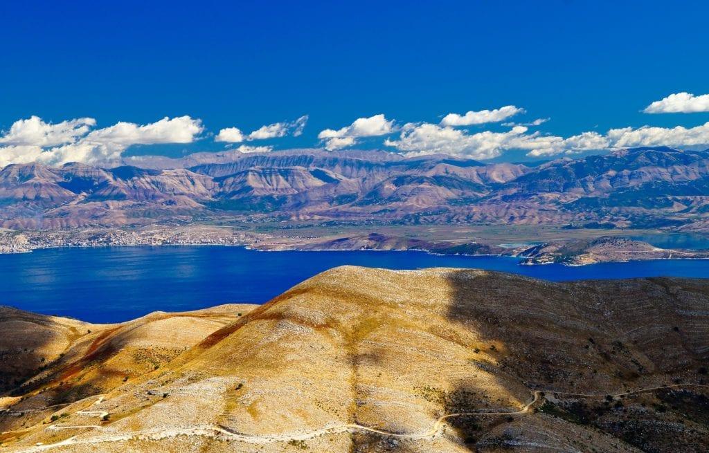 Pantokrator, w tle wybrzeże Albanii, Korfu Grecja