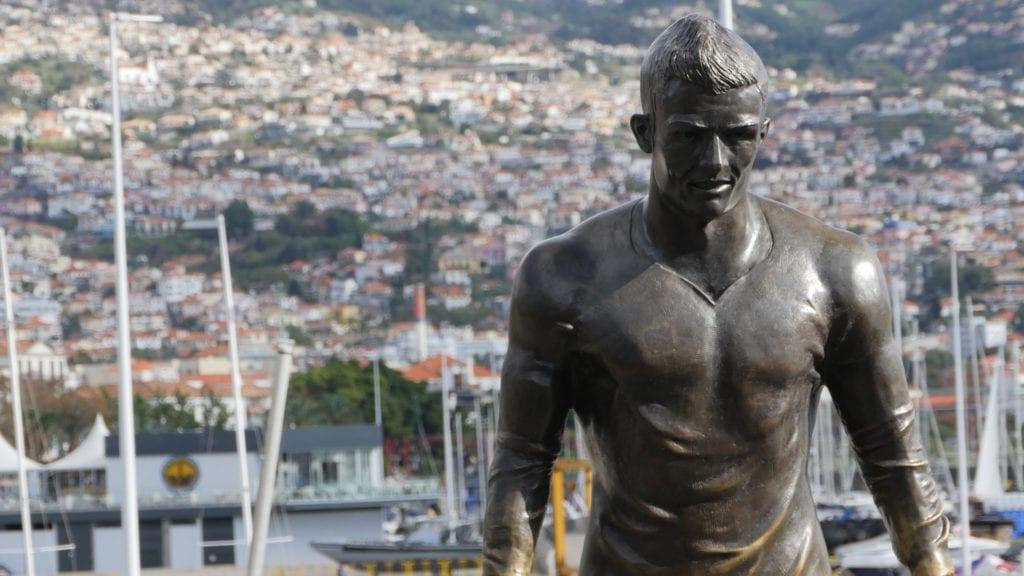 Najbardziej znaną osobą urodzoną na Maderze jest Cristiano Ronaldo,