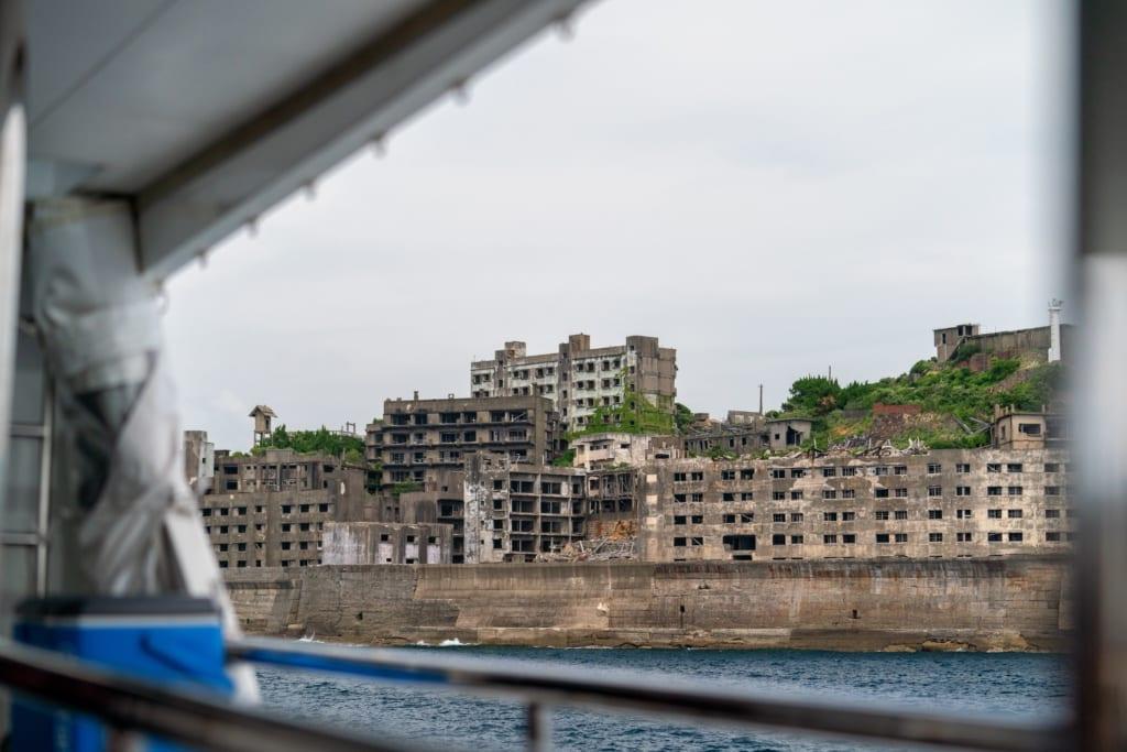 Wyspa Hashima, fot. Jason Rost Unsplash
