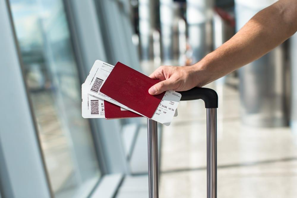 Karta pokładowa, lotnisko,