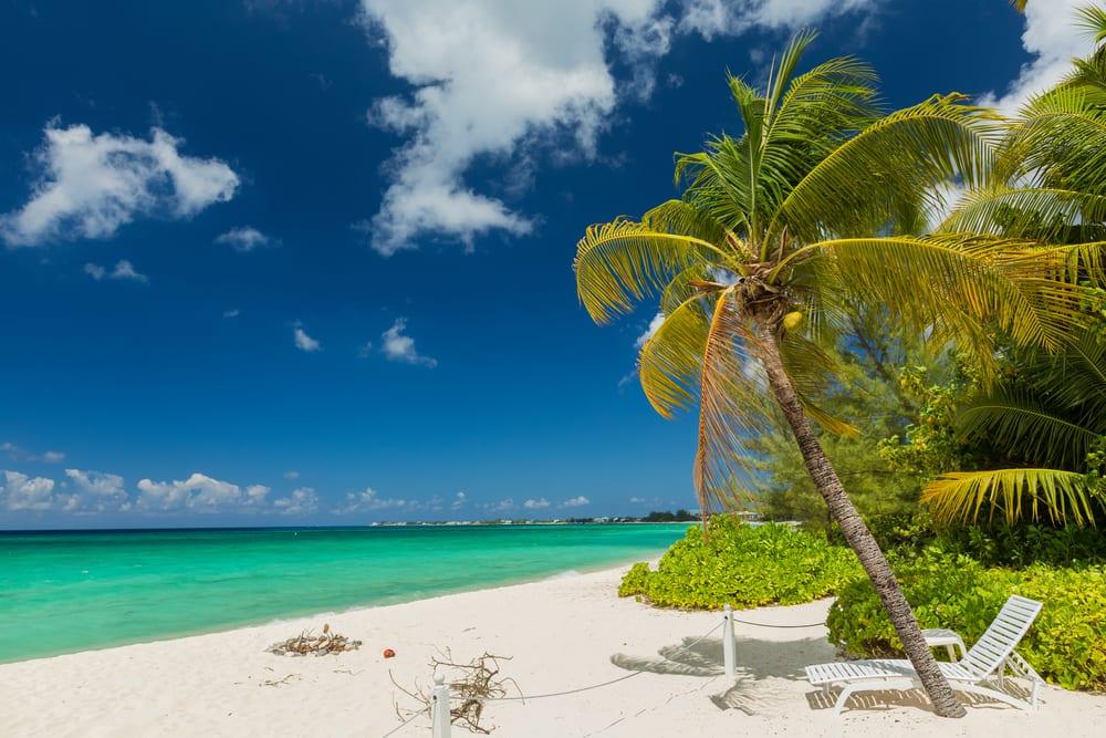 Seven Mile Beach, Wielki Kajman, fot. emperorcosar Shutterstock