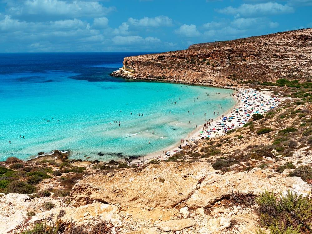Spiaggia dei Conigli, Lampedusa, fot. canbedone Shutterstock